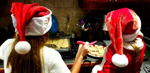 PickFu holiday poll: Baking cookies for Santa