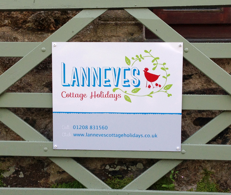 Lanneves Cottage Holidays Exterior Wayfinding Singage