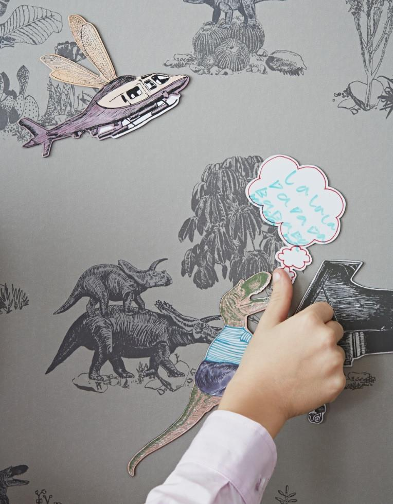 Magnetic wallpaper for kids