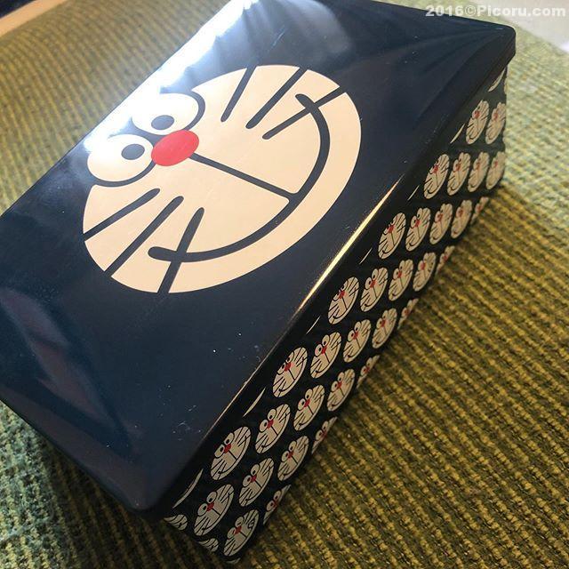 富山で買ったクッキーそろそろ期限が切れるので食べる!単に箱が欲しかっただけなんだけどね〜^_^