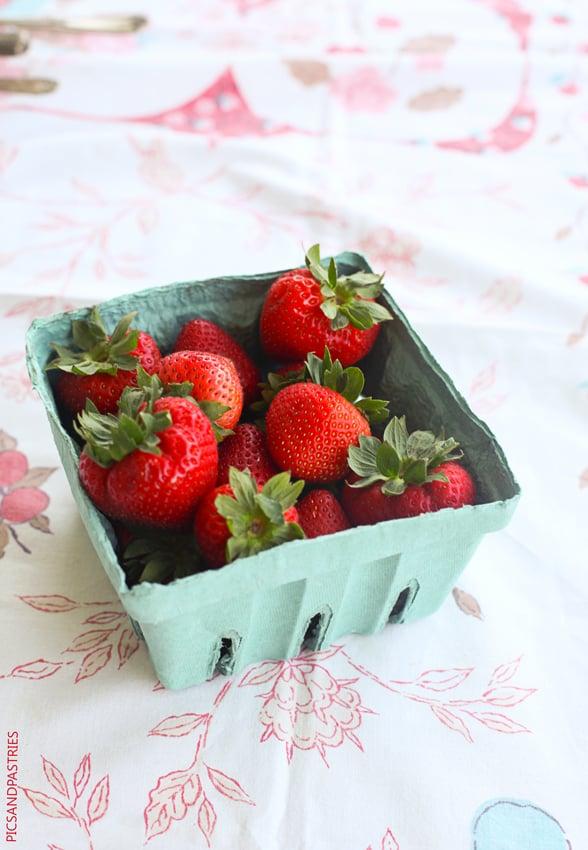 strawberrymarshmallowdessert