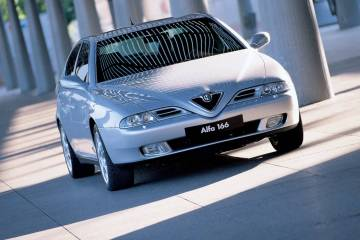 silver colour Alfa Romeo 166 Car