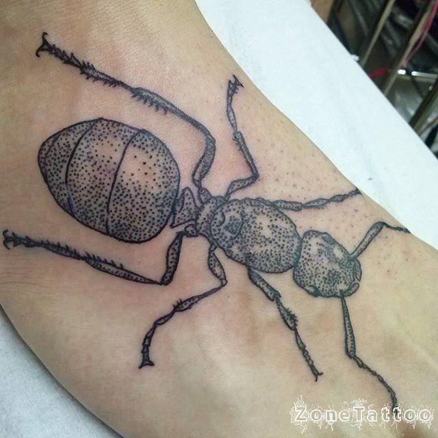 Ant Tattoos Idea Design for Tattoos Lover 36