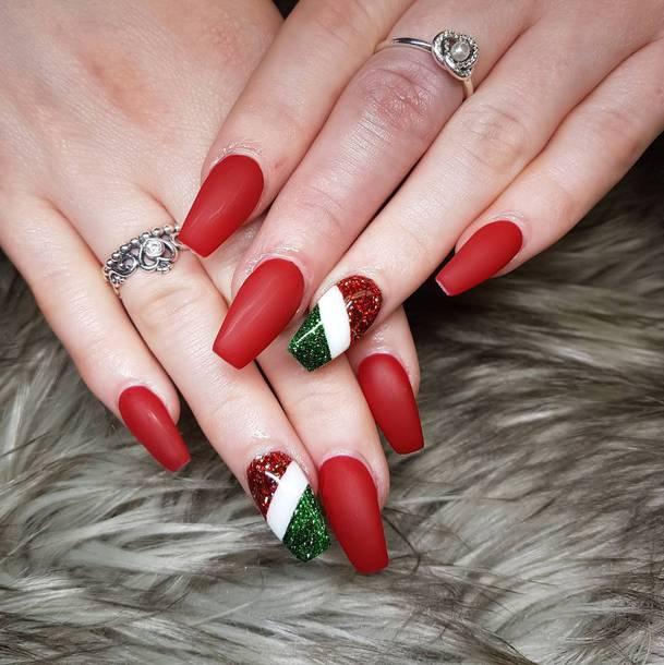 Cute Christmas Nail Idea