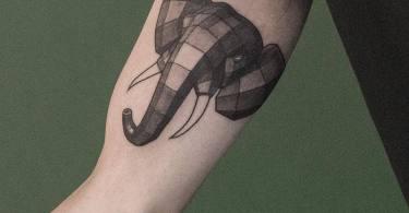 05 Geometric Animal Tattoos By Sven Rayen