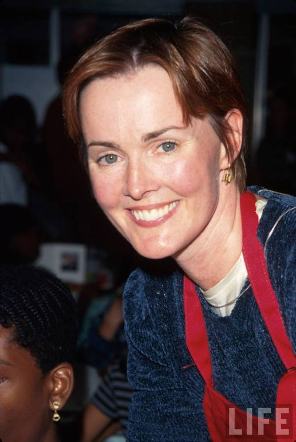 Pictures of Laura Innes - Pictures Of Celebrities