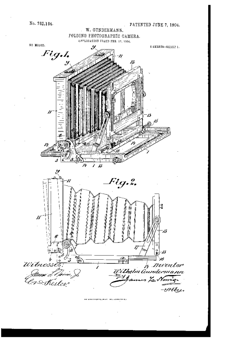 Photographic camera patent 1904