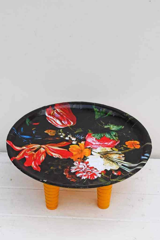 Flowers decoupage tray table