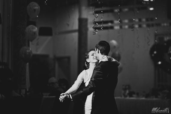 wedding dance flash photography