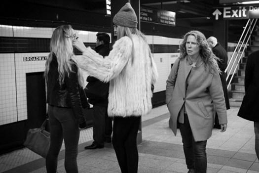 emotion gesture street photography