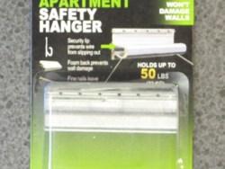 Hangman Apartment Safety Hanger 50lbs (22kg)