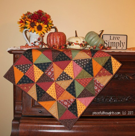 Autumn Calling Finish - My autumn quilt all finished. - piecefulthoughts.com (c) 2017