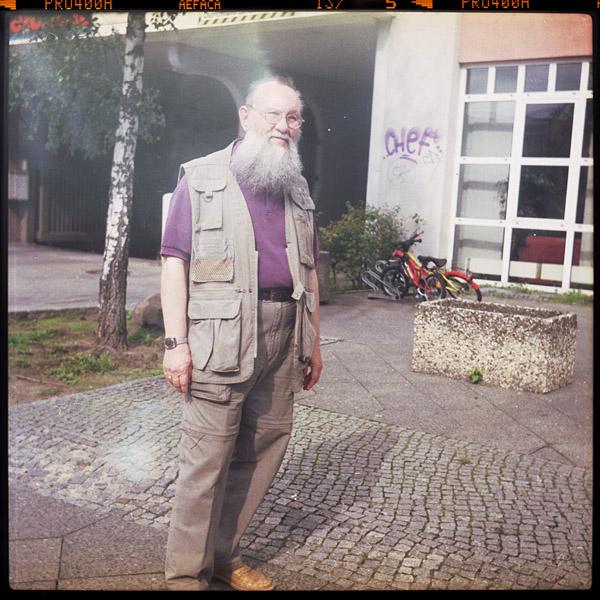 walter, rentnerIn, komparse, 68 - Pieces of Berlin - Collection - Blog