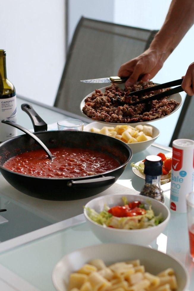 Pasta mit Tomatensoße und Salsiccia