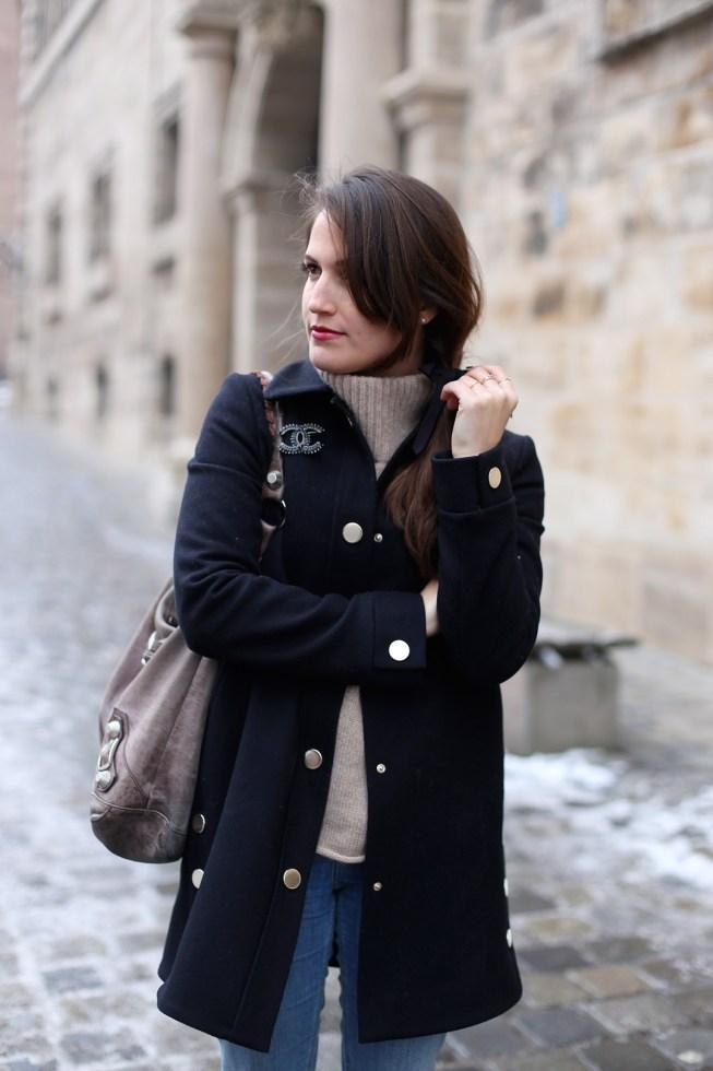 Winteruniform: Winterlook mit Strickpullover