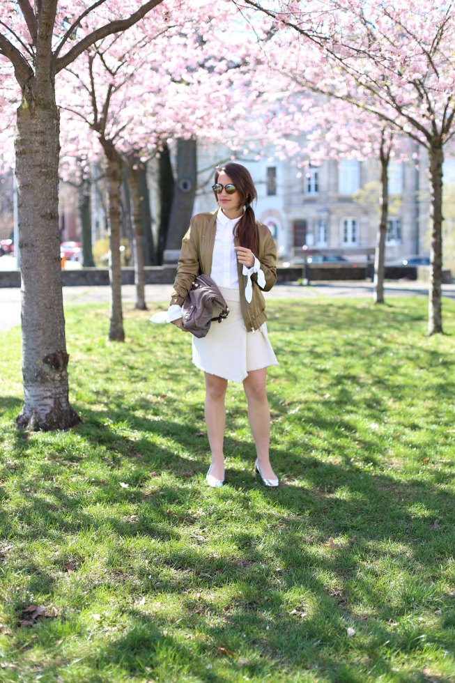 Frühlingslook mit Kirschblüten, Under The Cherry Blossom Trees, Pieces of Mariposa, Mango Commited Collection