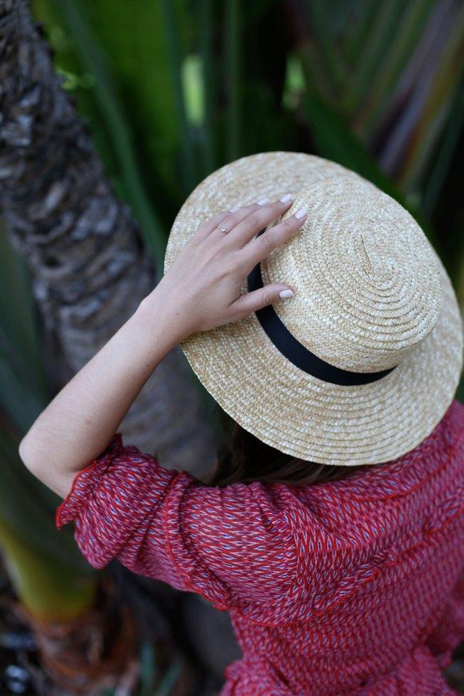 Palmenliebe mit Volantkleid von Steffen Schraut und Boater Hut