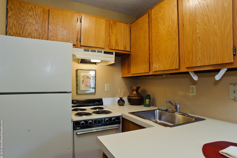 campus studio apartments - pierce properties nwa