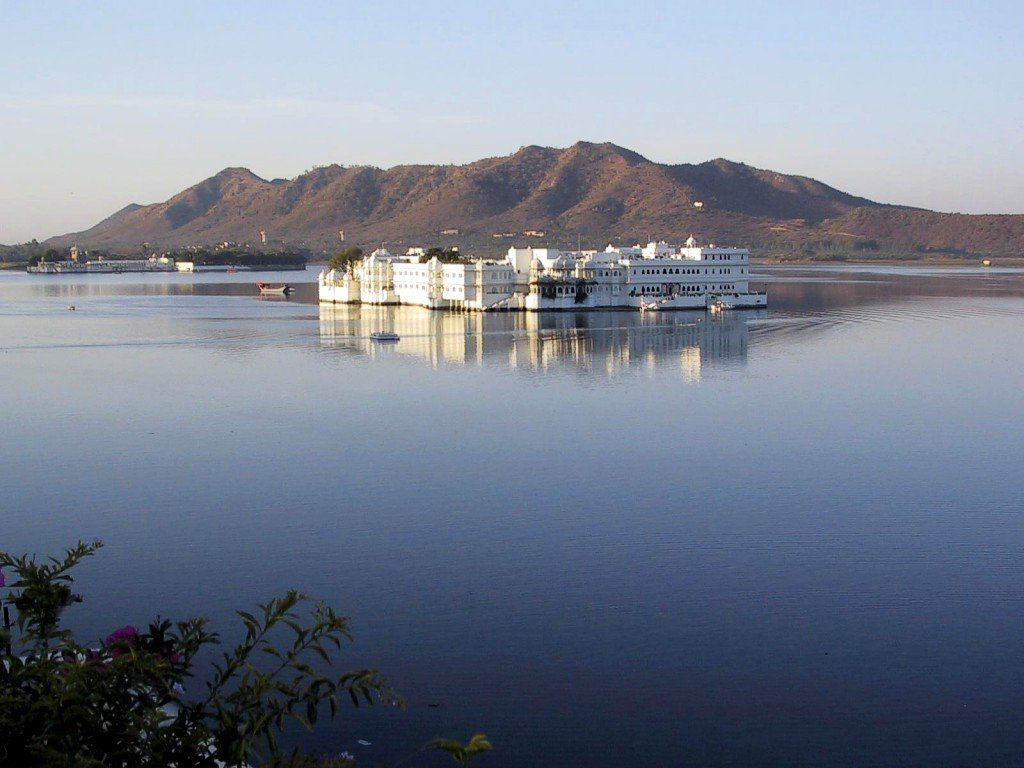 https://i1.wp.com/www.pierluigisurace.it/imagerie/images/aatw/DOT_India_Udaipur_Lake_Palace_Hotel_1.jpg