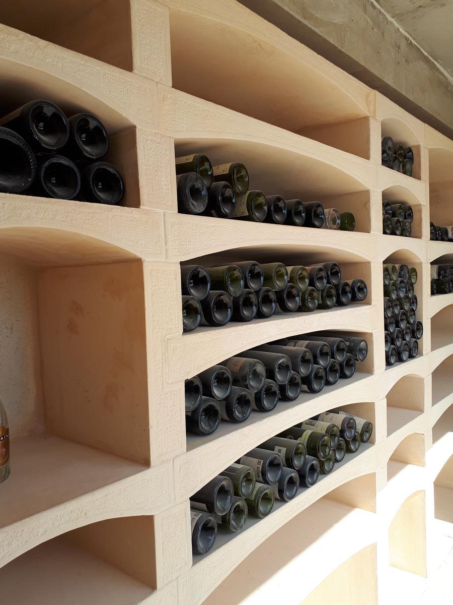 casier a bouteilles en pierre
