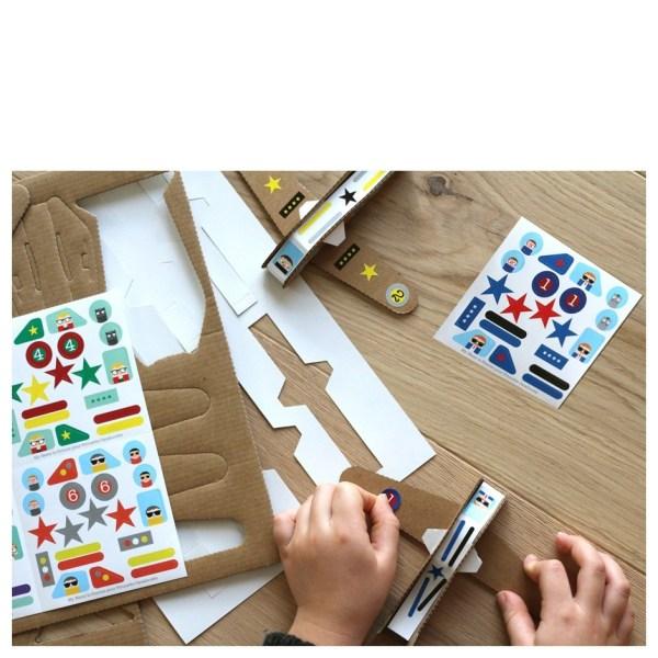 kit-creatif-avions-en-carton3