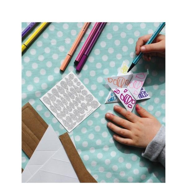 kit-creatif-baguettes-magiques-en-carton3