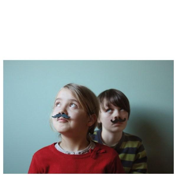 kit-creatif-moustaches-en-carton4