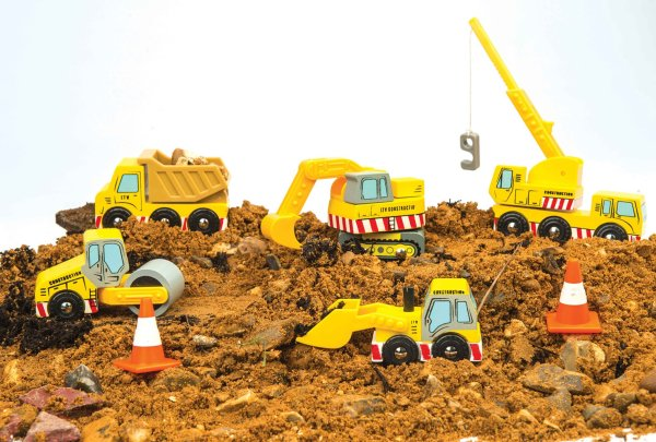 TV442-Construction-Wooden-Cars-Yellow-Digger-Lorry-Crane-Mud