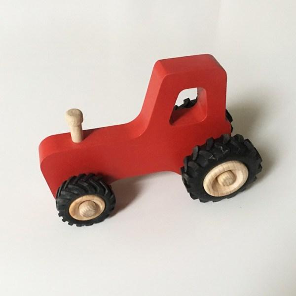 joseph-le-petit-tracteur-en-boisR