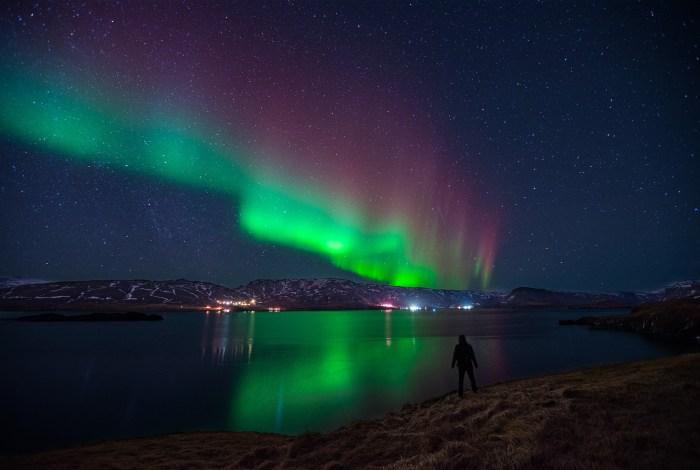 Aurore boréale au bord du fjord | Paysage de nuit © Pierre ROLIN - Photographe Nancy - Lorraine / Grand Est