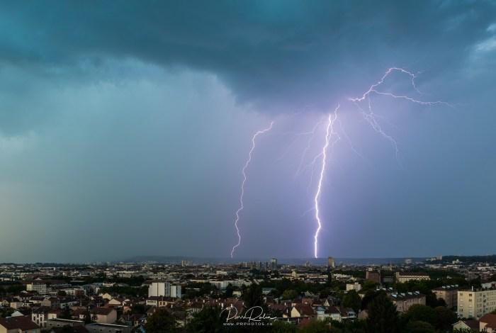 Foudre sur l'agglomération nancéienne | Paysage de nuit © Pierre ROLIN - Photographe Nancy - Lorraine / Grand Est