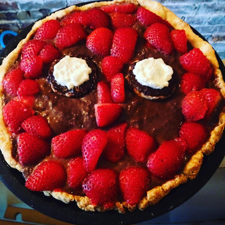 Deadpool Superho Pie: Chocolate Cream with fresh strawberries