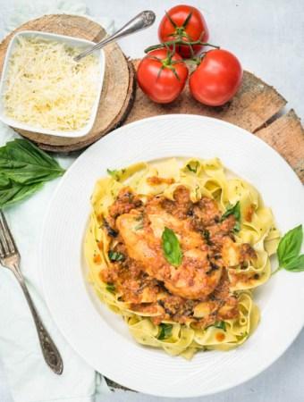 fresh basil pasta with tomato cream chicken