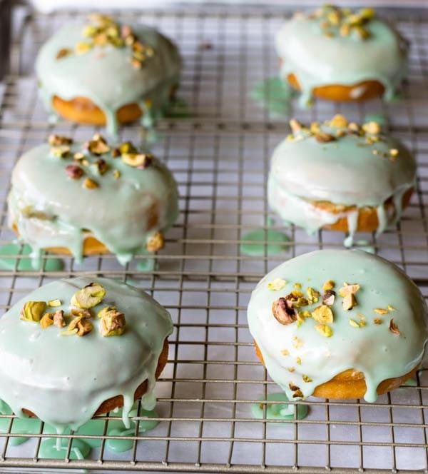 pistachio donuts recipe