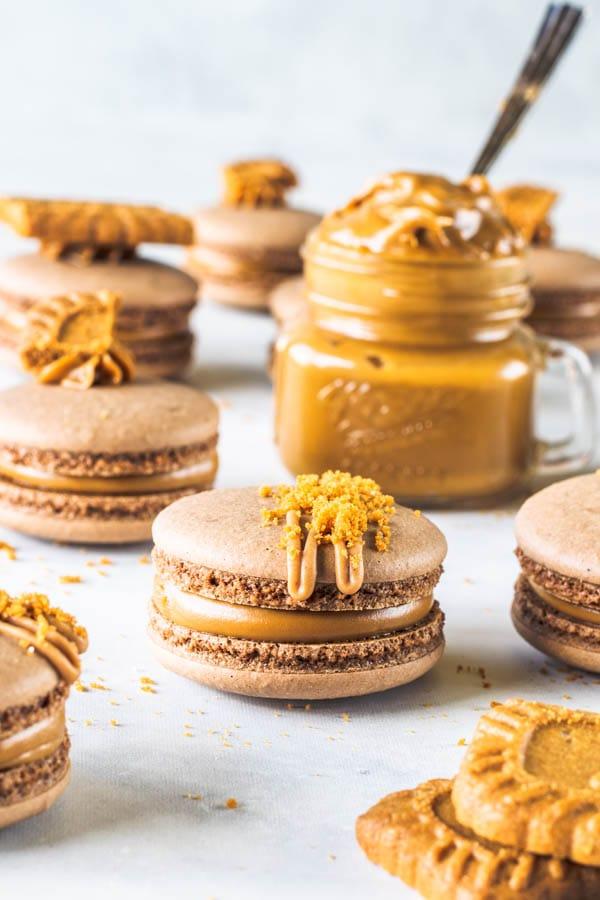 vegan biscoff macarons
