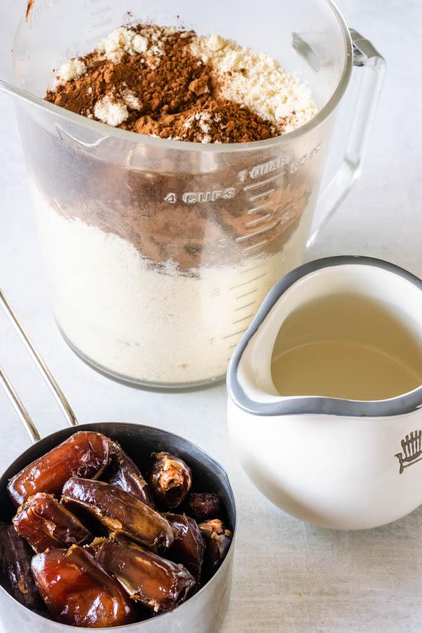 coconut oil cocoa powder almond flour dates
