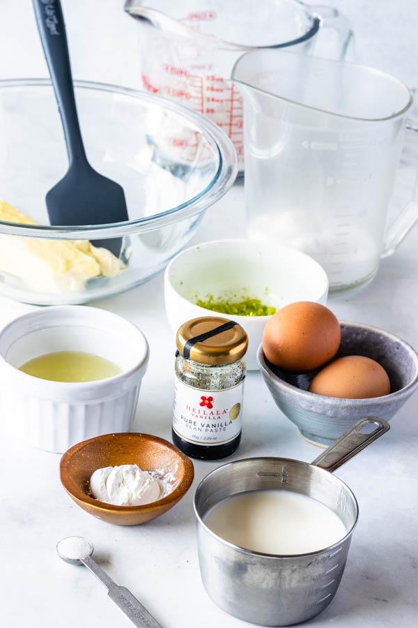 ingredients to make key lime pie cake