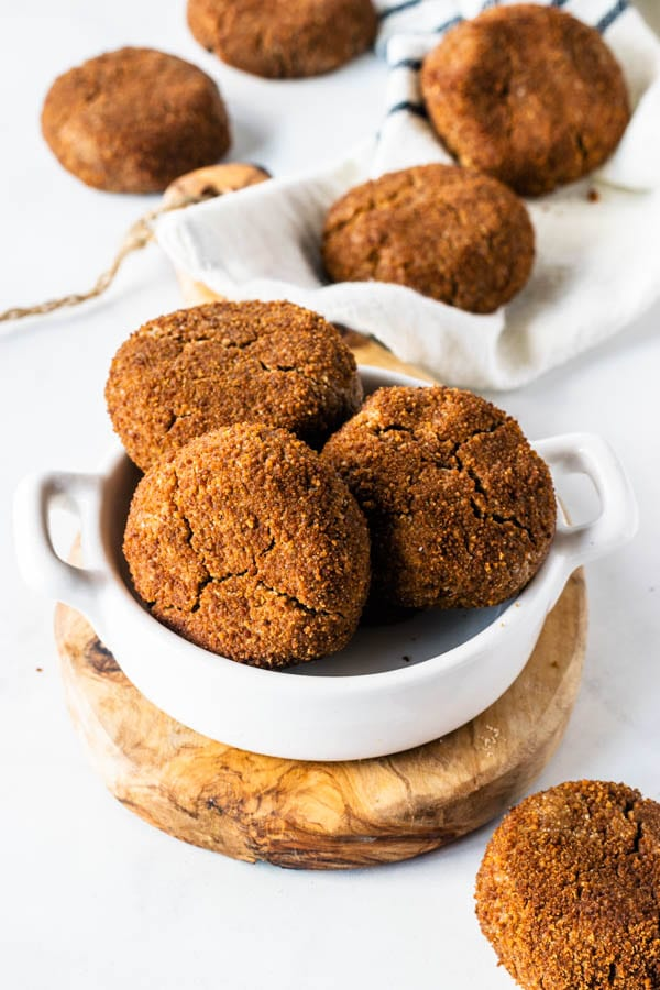 vegan ginger cookies with molasses