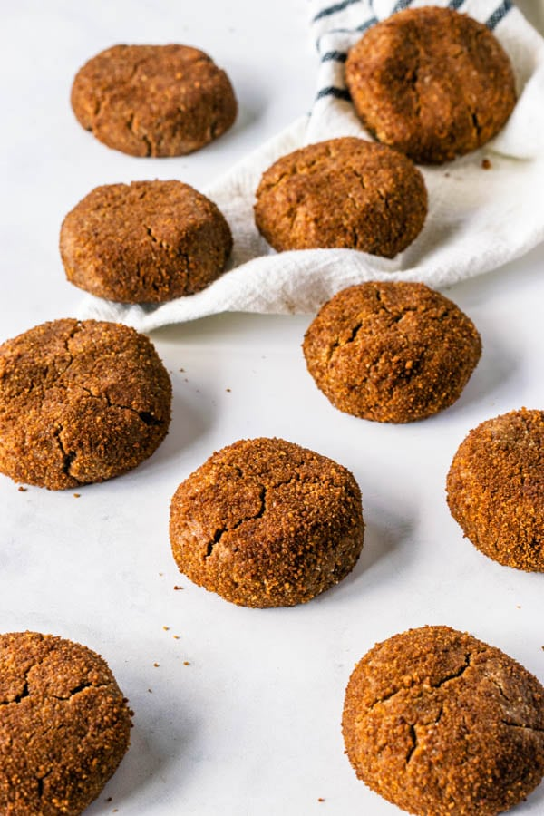 vegan ginger molasses cookies