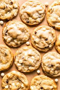 Vegan White Chocolate Macadamia Cookies