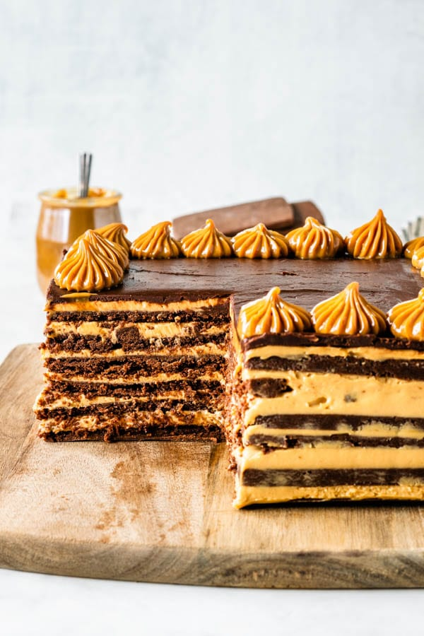 Chocotorta sliced