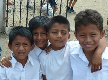 Foto 2 – Bambini di Julcuy