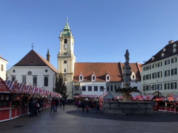 piazza municipio mercatini