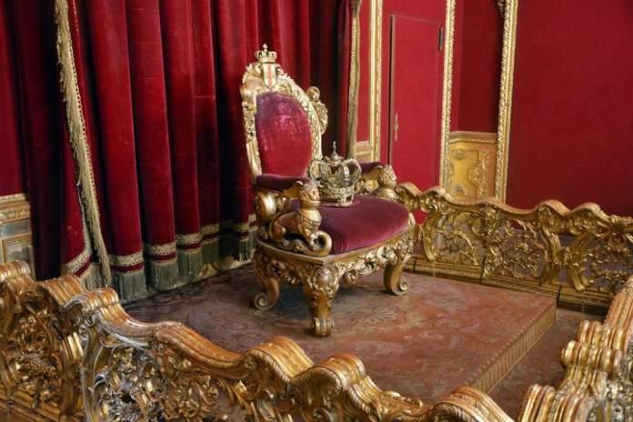 sala trono palazzo reale