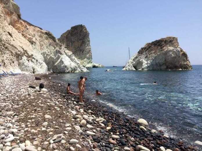 white beach spiaggia akrotiri