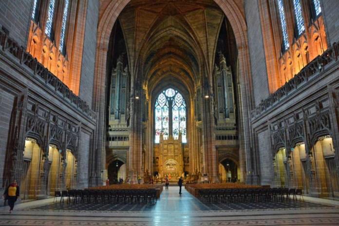 interno cattedrale anglicana