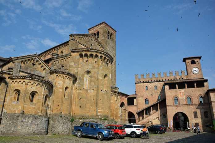 palazzo podesta collegiata castellarquato