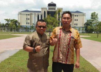 Dua dosen IAIN Parepare yakni Dr Ali Halidin (pakai kacamata) dan Dr Abd Rahman Ambo Masse yang melakukan penelitian di Malaysia.
