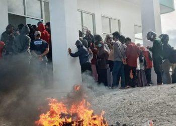 Mahasiswa IAIN Parepare Demo Tolak PBAK Online, Rektor : Itu Kebijakan Kementerian