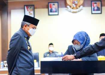 Wali Kota dan Ketua DPRD Parepare Setujui Perda Penyelenggaraan Pendidikan
